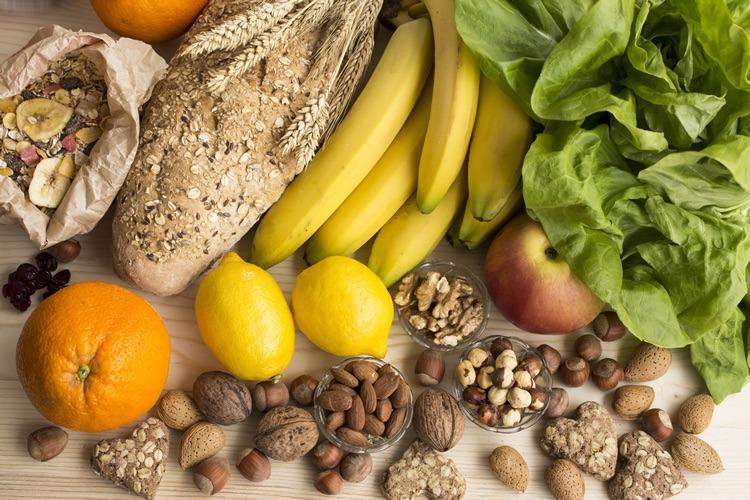 Fruta fresca y frutos secos